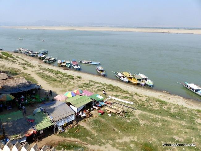 رحلات القوارب في باغان