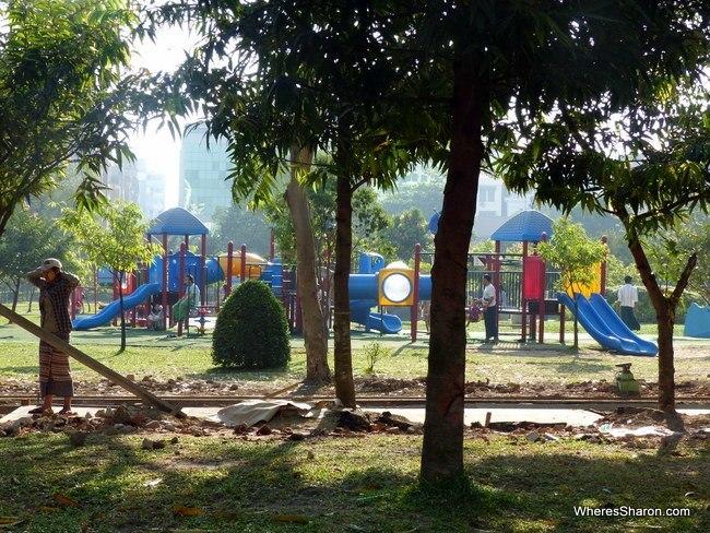 حديقة Mahabandoola Garden في يانغون