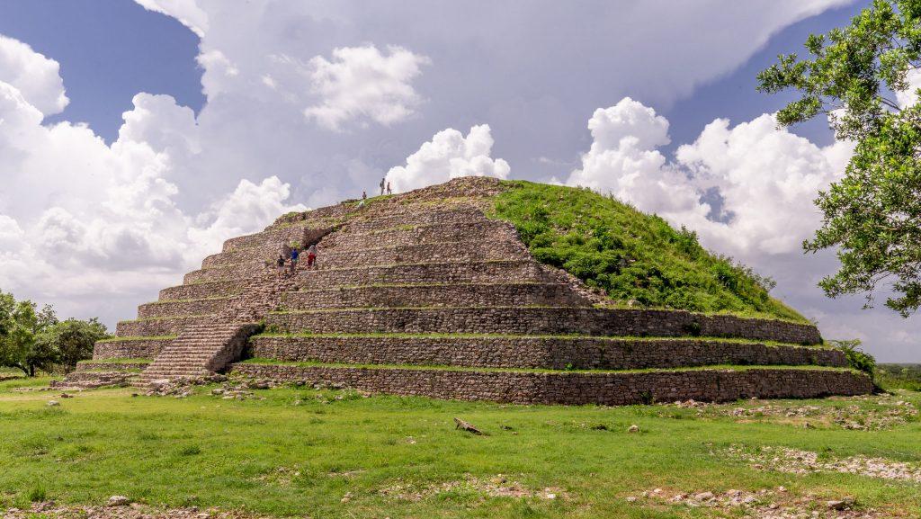 هرم ايزيما في المكسيك