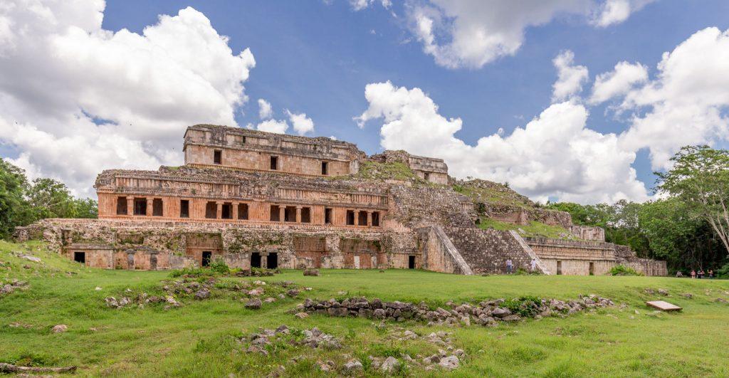 قصر اوكسمال في المكسيك