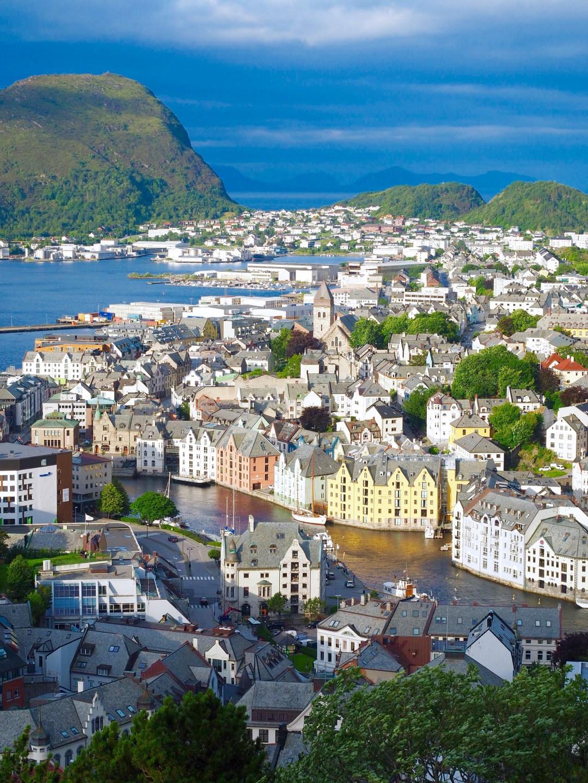 مدينة اليسوند في النرويج