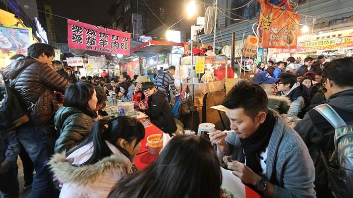 السوق الليلي شيلين في تايبه