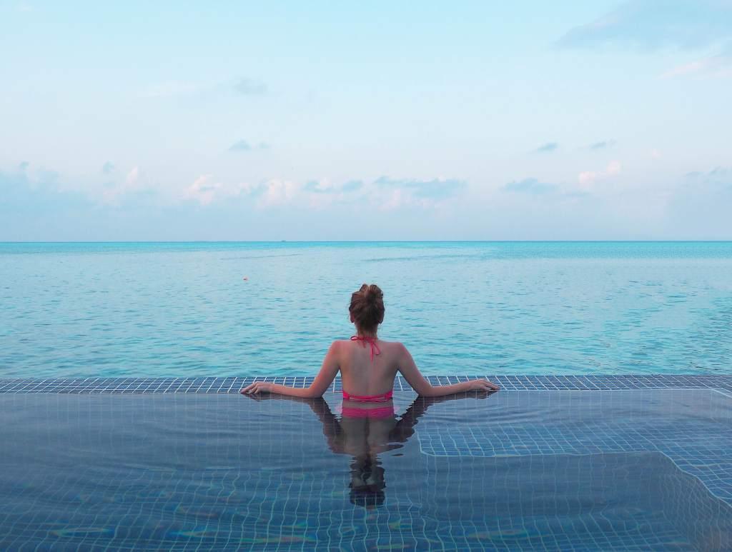 مسبح خاص منتجع تاج ايكسوتيكا في المالديف