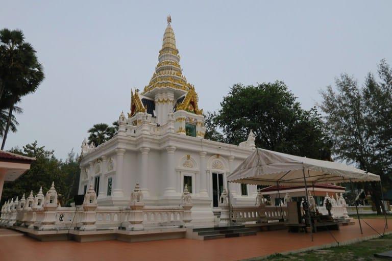 معبد ناي هارن في بوكيت