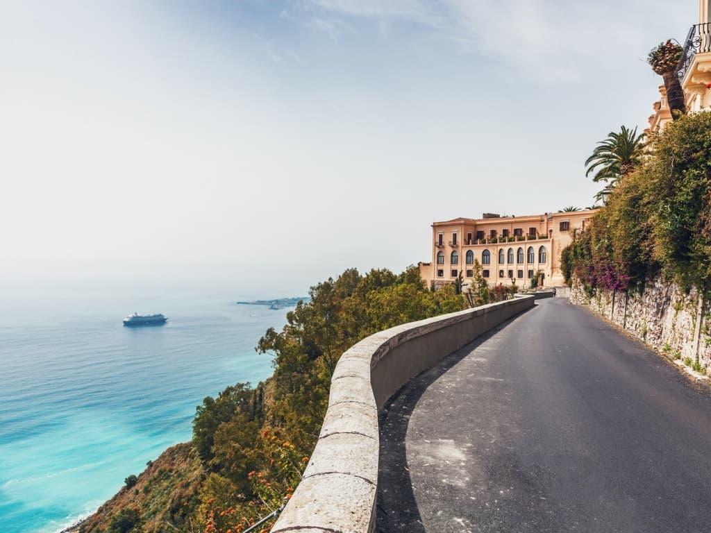 جزيرة ناكسوس اليونانية