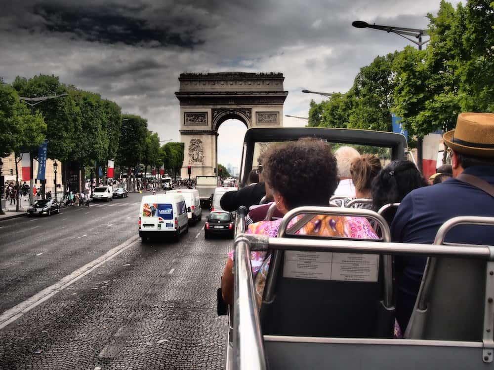 حافلات باريس المكشوفة