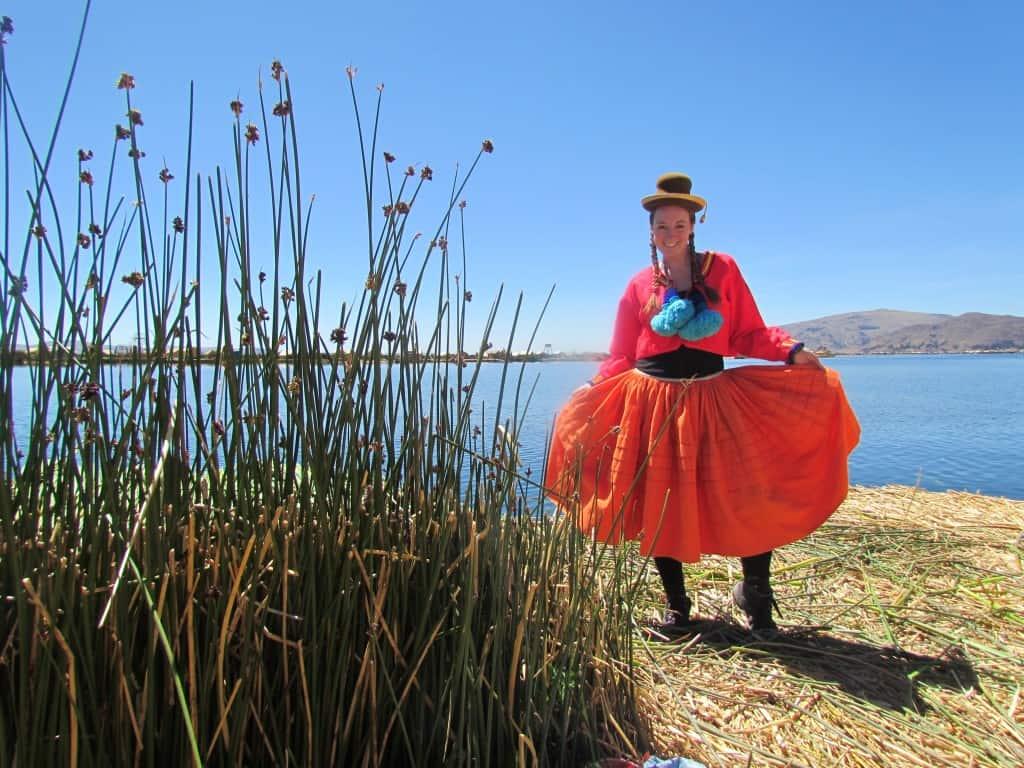 بحيرة تيتيكاكا في البيرو