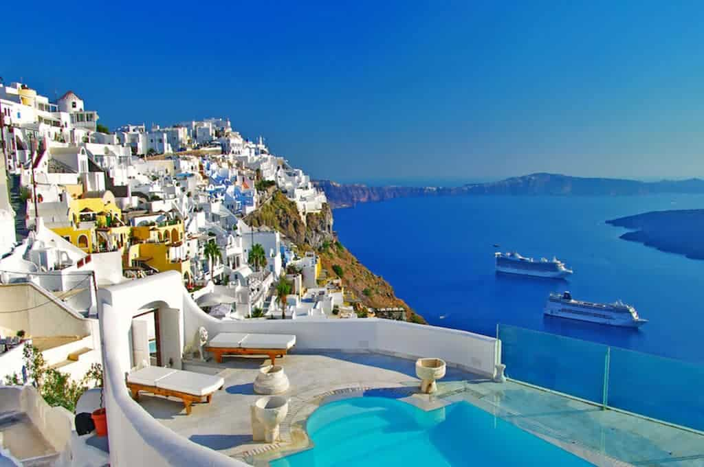 السفر إلى سانتوريني اليونان