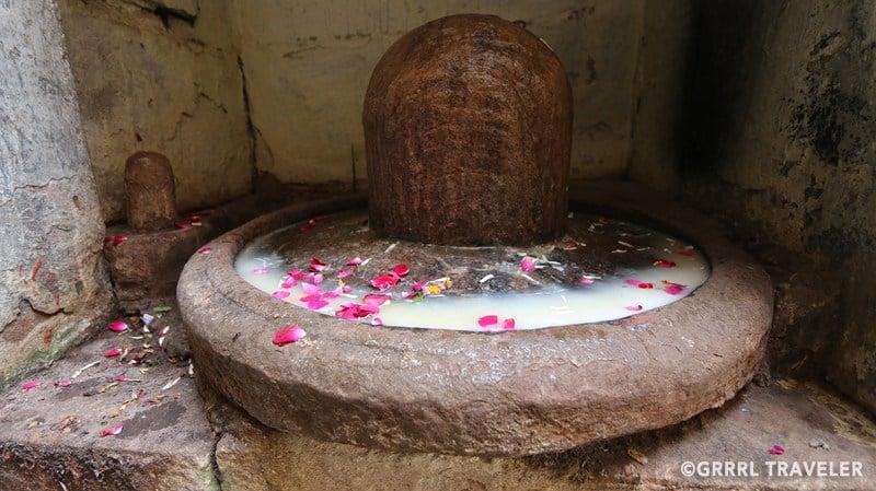 رموز الديانة الهندوسية شيفا لانغام