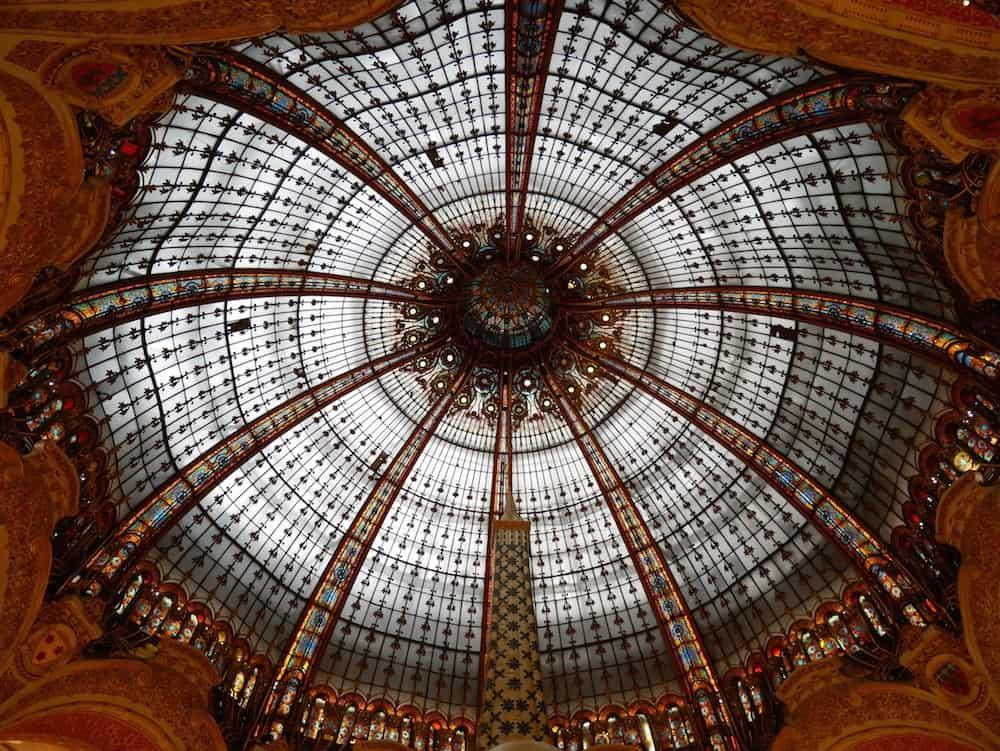 كيف يمكنك زيار الأماكن السياحية في باريس مجاناً