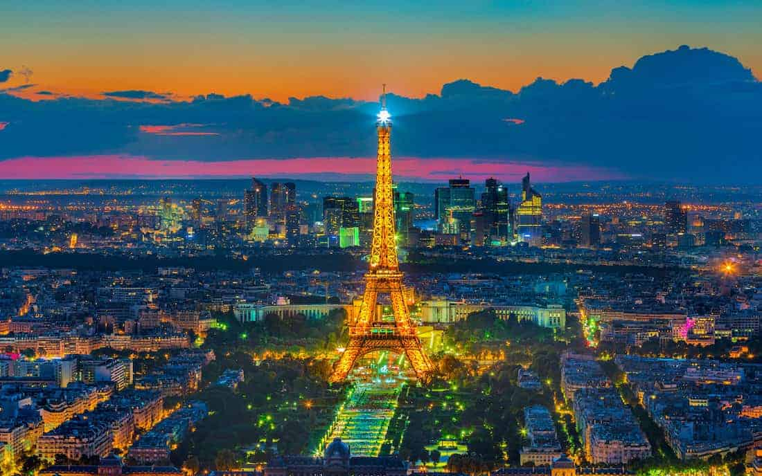 التجول في باريس مجاناً